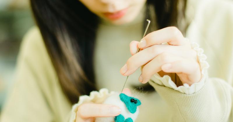 ちくちくフェルト体験 ~ 白神山地の羊毛で自分好みのフェルトを作ろう ~