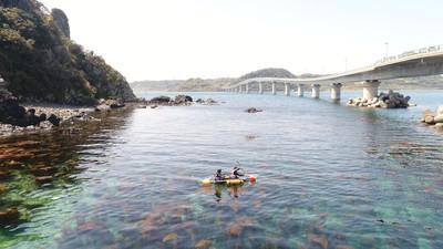 角島でクリアカヤック体験・ドローン撮影プレゼント・インストラクター付きでお子様連れOK・1名OK・人数が増えるほどお得