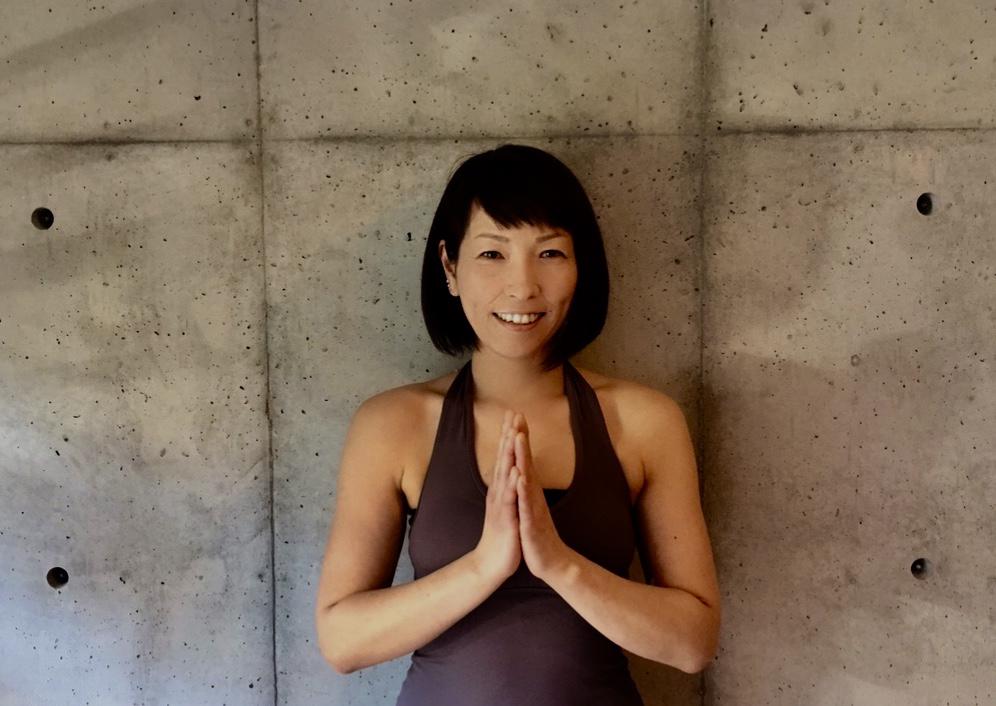 Online: 筋膜リリースヨガ 60分 講師:miho
