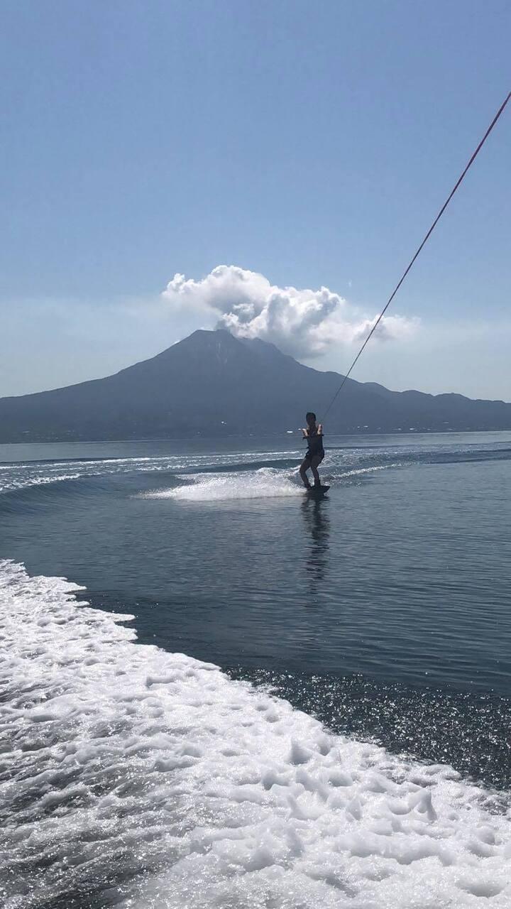 姶良(あいら) 錦江湾でウェイクボード体験!【Wind and waves】