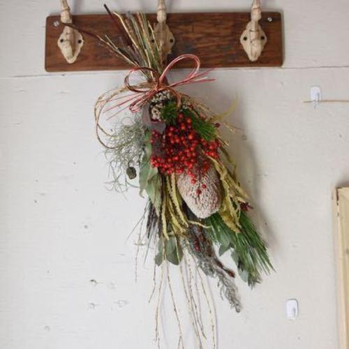 お正月を迎える花たち♪『かっこいい!お正月スワッグ