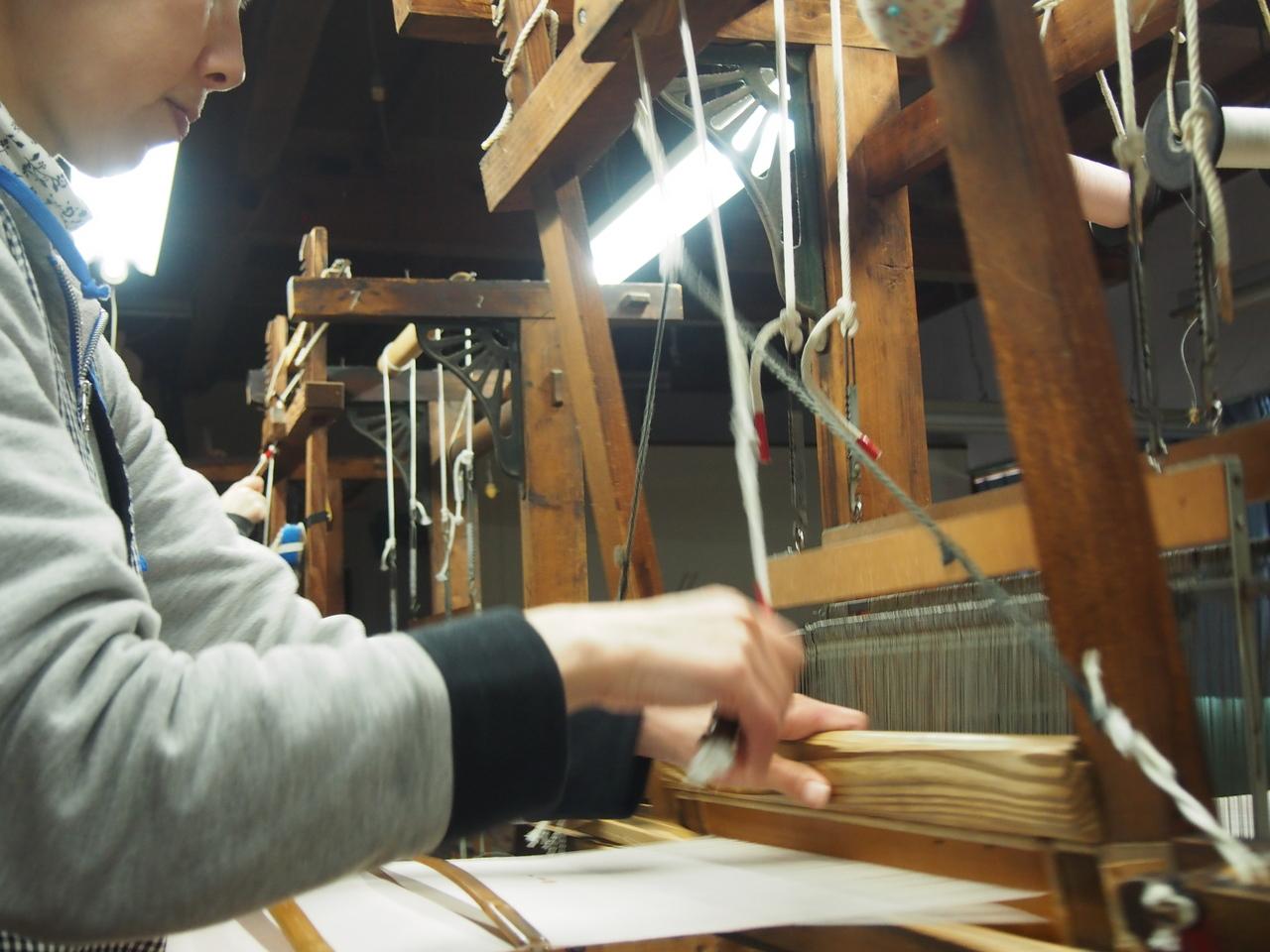 能登上布織元で伝統の機織り体験 / 能登上布帯地のテーブルセンター30cmを織れます【当日お持ち帰りOK】