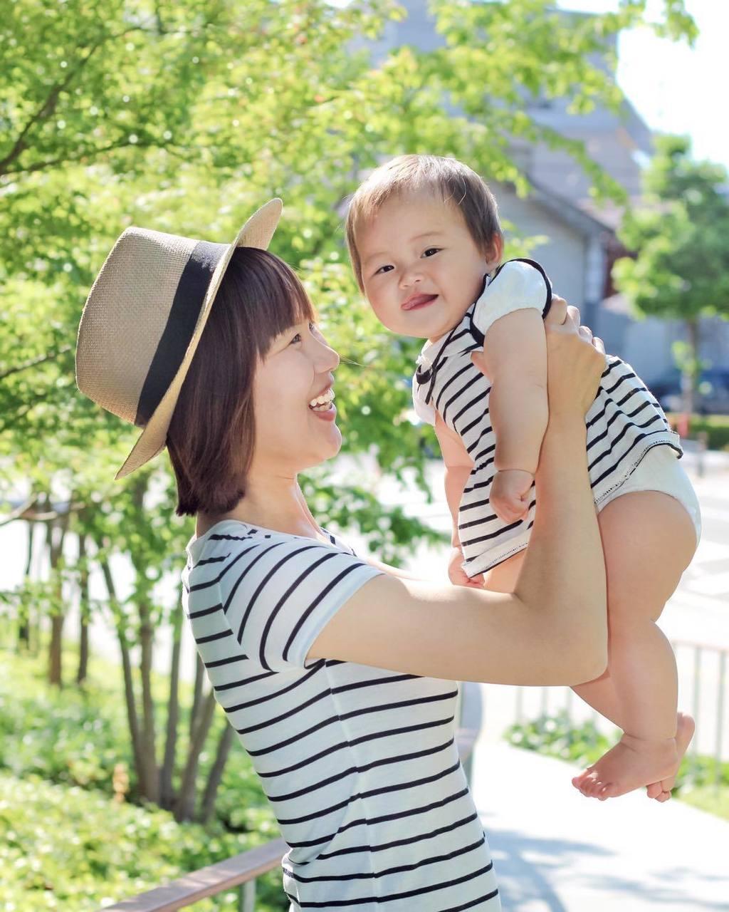 0歳1歳の赤ちゃんの関わり方 & お家で簡単にできる100円知育遊び