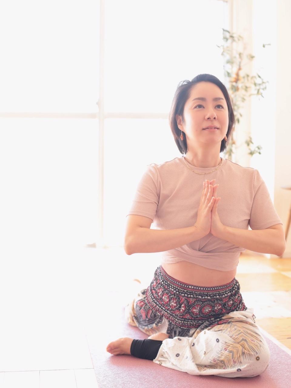 年末特別クラス『瞑想と呼吸法』Suzuko(オンラインも可)