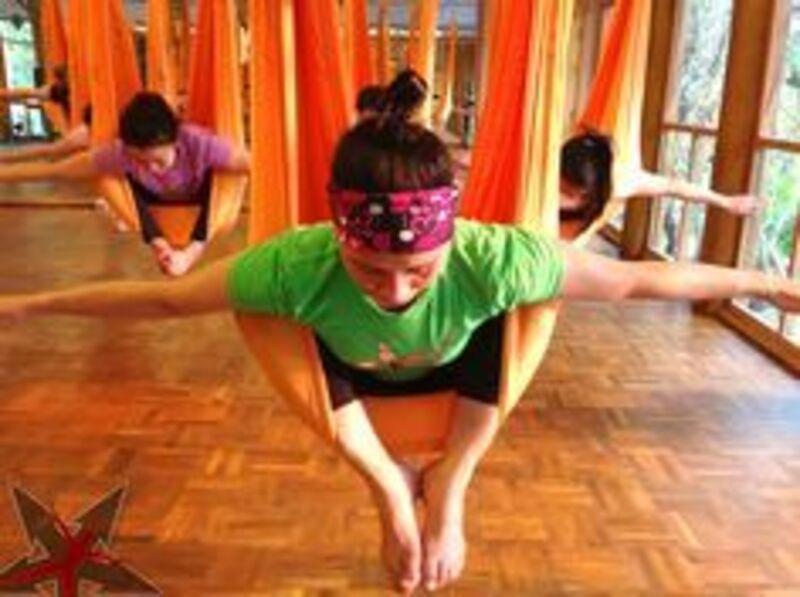 Aerial Yoga3・休日のご予約はこちら・