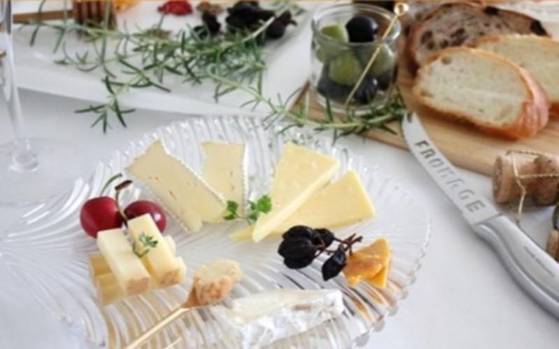 夏に愉しむワインとチーズのマリアージュセミナー