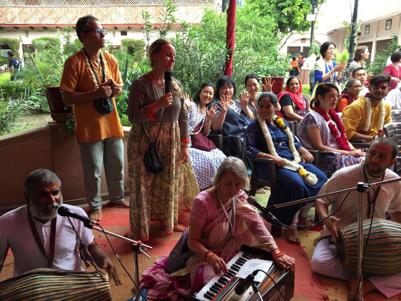 【参加無料】歌う瞑想:Just BHAJAN !!