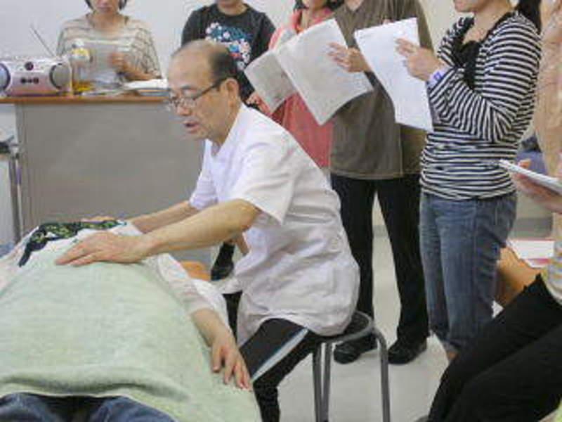 介護アロマ第一人者 浅井隆彦先生による直接指導 介護アロマセラピスト養成講座(2日間集中セミナー)