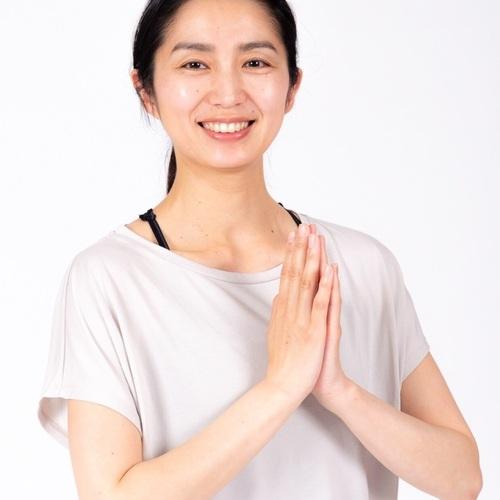 Take me to Yoga vol.4 ③11:30-12:30 小顔ビューティーヨガ