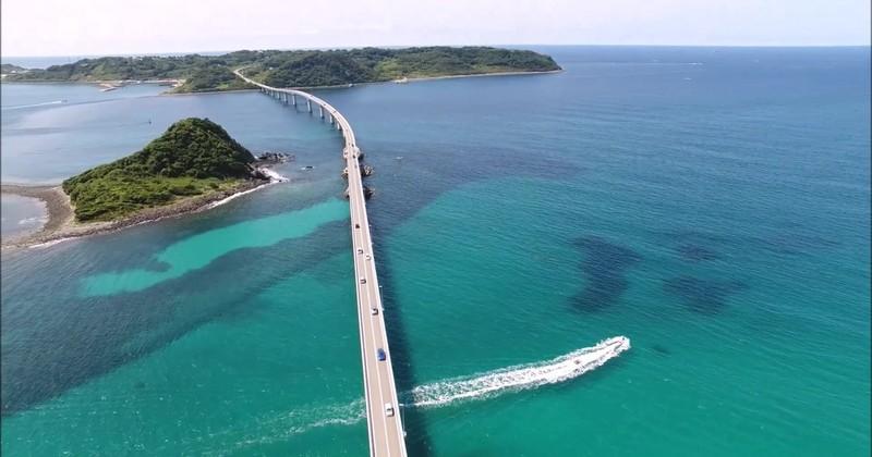 角島で遊覧型バナナボート体験・ドローン撮影プレゼント
