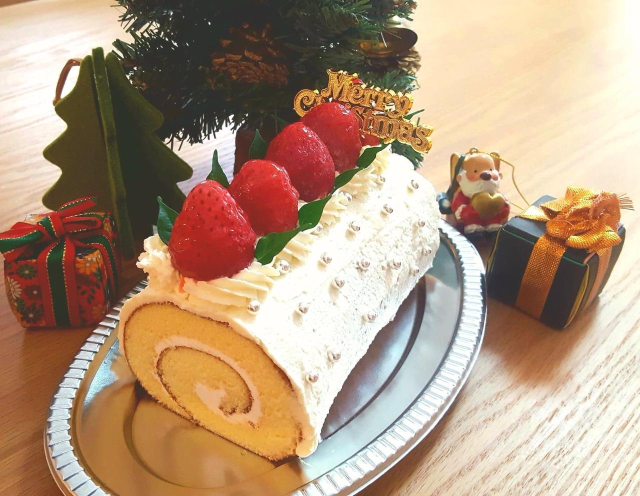 ロールケーキを簡単デコ♪ イチゴ のクリスマスケーキを作ろう!【足立】2019年12月7日  (土)