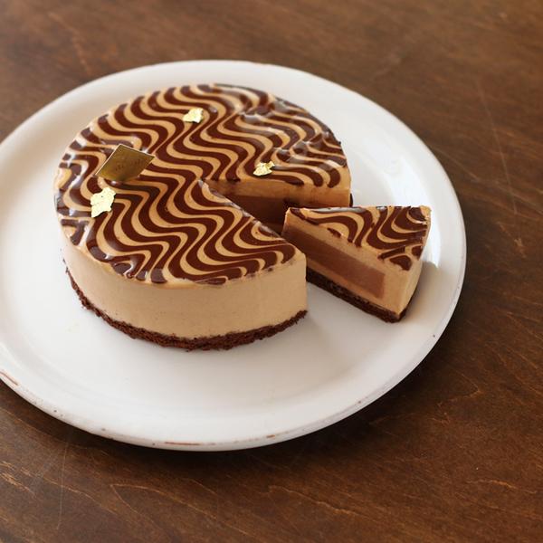 紅茶とミルクチョコレートのケーキ