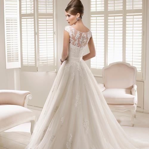 ドレス試着・ご相談 大人花嫁が輝くドレスフェアに行こう