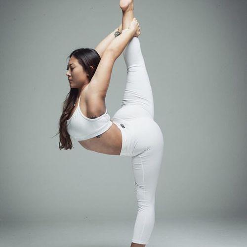 【10月27日(日)10:40~12:10 Vanessa vinyasa yoga class】