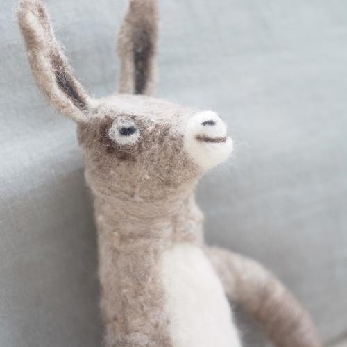 【10月14日のもみじ市 in 神代団地】緒方伶香「羊毛のロバ作り」