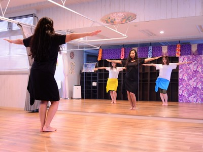 Yui先生のTahitian Dance(ジュニアから)