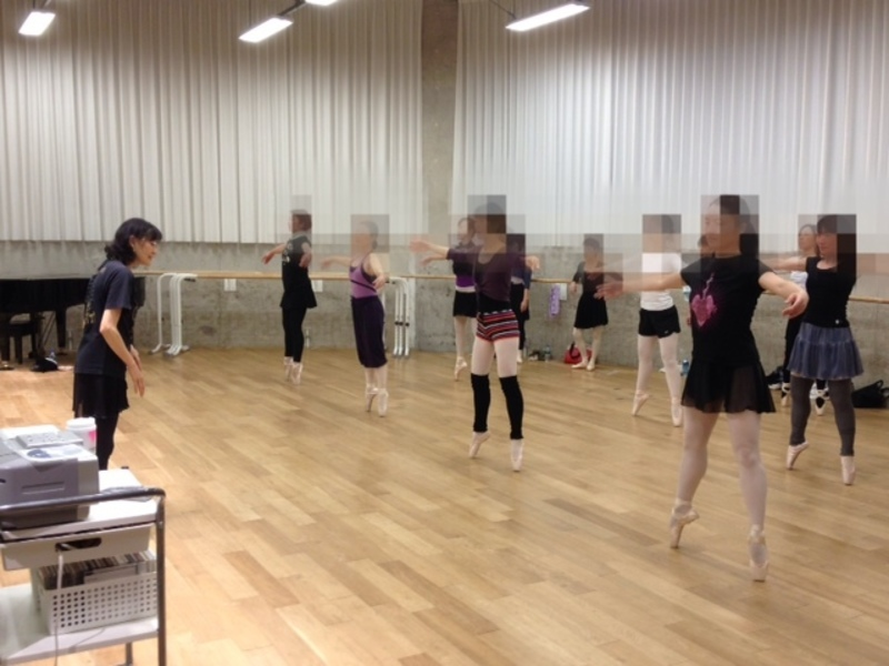 2019-2020 年末年始特別 12/28(土) 諸星静子先生「基礎レベルのポアントで易しい作品を踊ってみましょう」