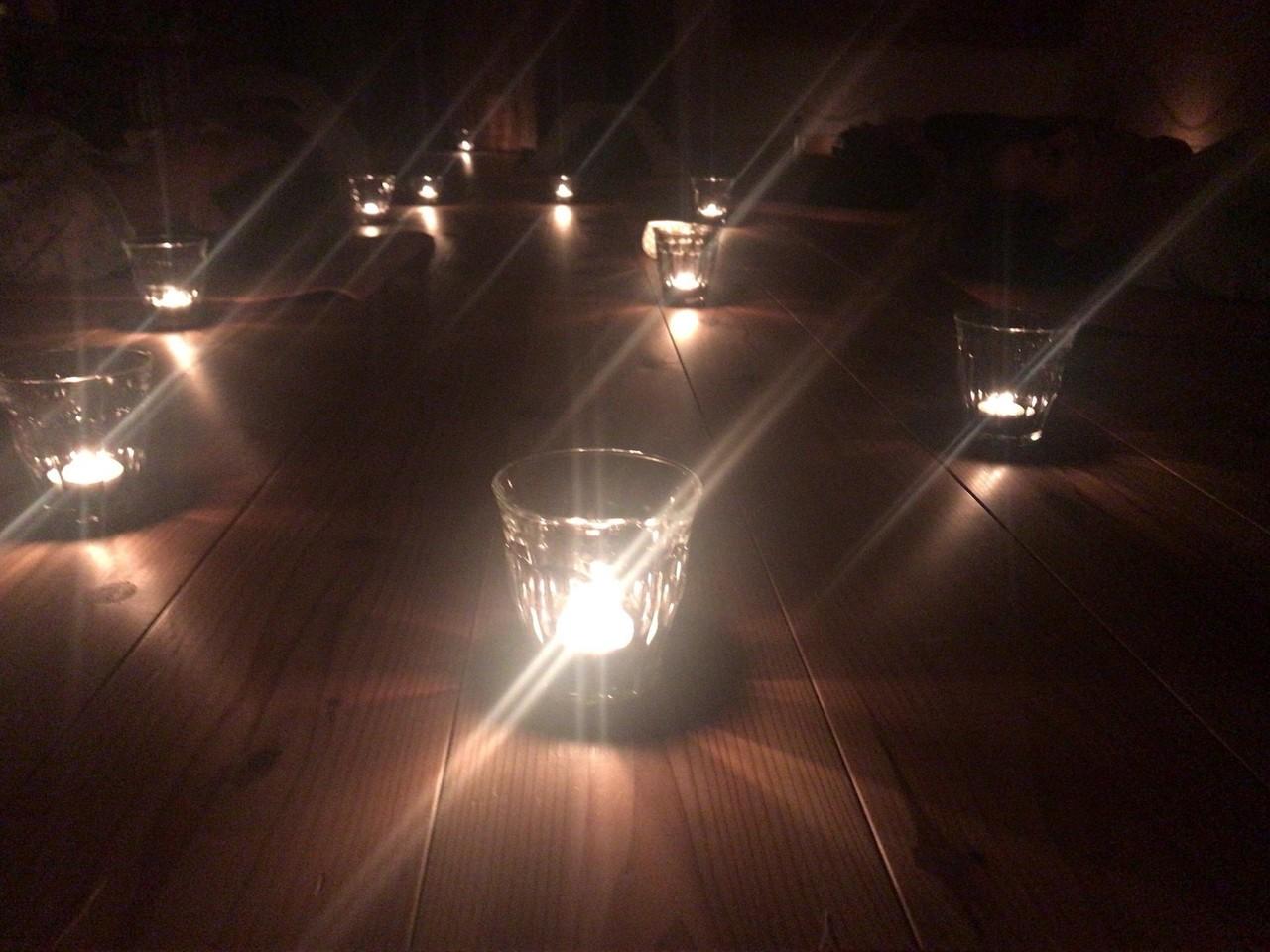 灯りと香りで五感をひらく「新月のマントラ・チャンティング」