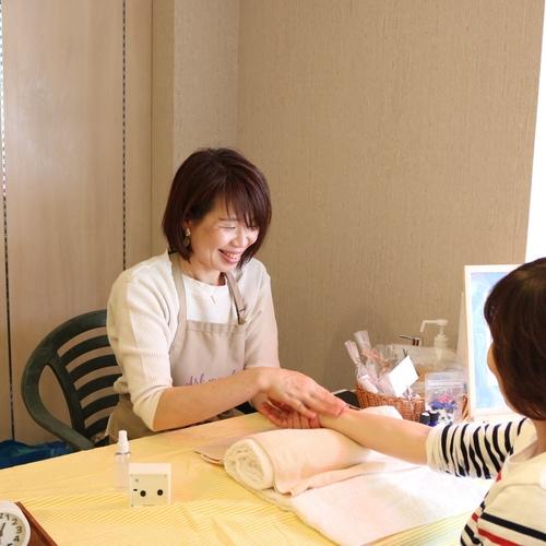 【10/3 みのマママルシェ】ヘッドorハンドマッサージ