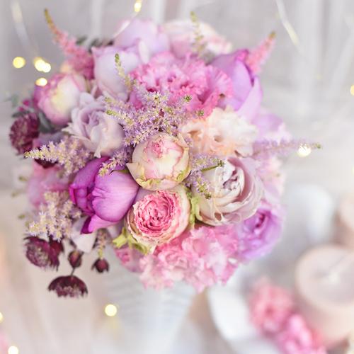 2019年12月後半 生花 ピンクの花たち クリスマスアレンジメント