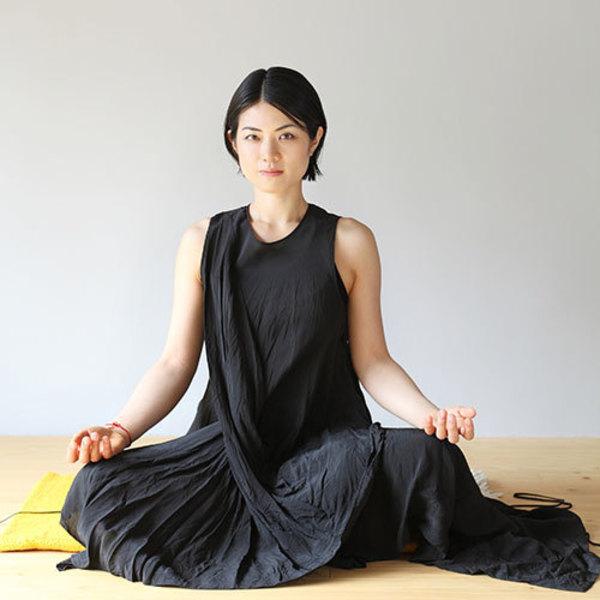 [18B4]4/18(土)13:30-14:30 Padmini/Jivamukti yoga