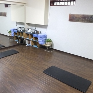 Ayurveda space Lok (yoga