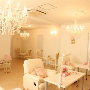 Total beauty salon  Mano Magia  (マノマジク )