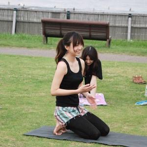 Lulu noah /yoga-class