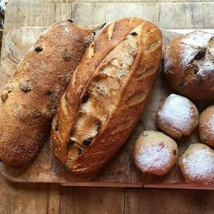 happyDELI, Natural Food School & Bakery
