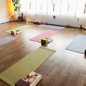 ヨガレッスン予約 Sakhi Yoga Studio