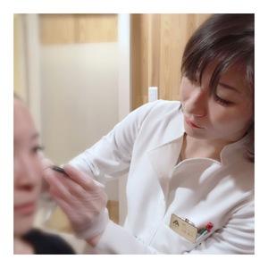 AdeB皮膚科・FLALUクリニック イボ・シミ・美容皮膚科予約