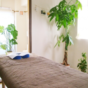 """1-minute walk from Urayasu Station"" manipulative Institute Rakuken"